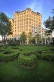 Hotel-Gebäude Lizenzfreie Stockfotos