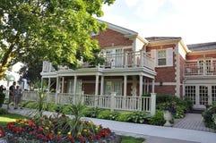 Hotel histórico do príncipe de Gales da baixa do Niagara-em--lago na província de Ontário Foto de Stock Royalty Free