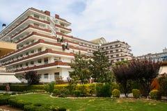 Hotel im Erholungsort Stockfoto