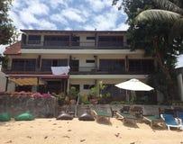 Hotel laterale della spiaggia Immagini Stock