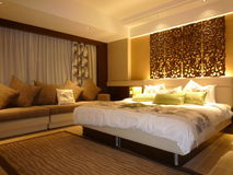 Hotel luxury bedroom Royalty Free Stock Images