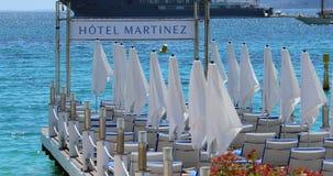 Hotel Martinez Pier in Cannes Frankrijk stock videobeelden