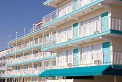 Hotel met buitengang Stock Foto