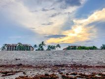 Hotel na praia fotografia de stock