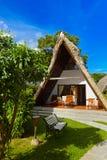 Hotel na praia tropical Imagens de Stock