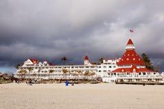 Hotel nah an Strand in San Diego Lizenzfreie Stockfotos