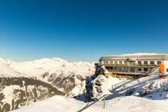 Hotel nella stazione sciistica cattivo Gastein in montagne nevose di inverno, Austria, terra Salisburgo Fotografia Stock Libera da Diritti