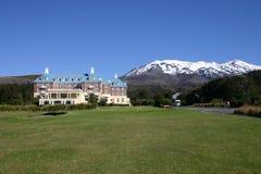 Hotel nelle montagne Immagine Stock Libera da Diritti