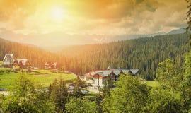 Hotel nelle montagne Fotografie Stock Libere da Diritti