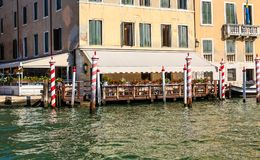 Hotel Patio on the Grand Canal Stock Photo