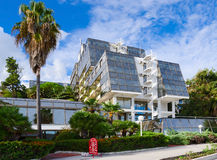 Hotel Plaza constructivo moderno 3 * en la 'promenade', Herceg Novi, Monte Fotografía de archivo libre de regalías