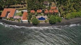 Hotel por el mar Indonesia, Bali almacen de metraje de vídeo