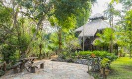 Hotel por el río Kwai Kanchanaburi, Tailandia Fotos de archivo libres de regalías