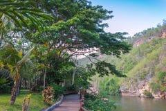 Hotel por el río Kwai Kanchanaburi, Tailandia Imagen de archivo