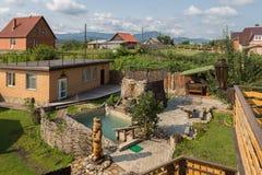 Hotel que sube a Pomestye en Belokurikha en el Altai Krai Foto de archivo libre de regalías