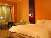Hotel-Schlafzimmer lizenzfreies stockbild