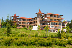 The hotel is on the shore at the Ravda, Bulgaria stock photography