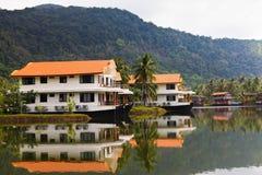 Hotel sotto forma di una nave Fotografie Stock Libere da Diritti