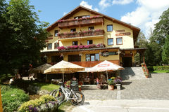 Hotel in Tatranska Lomnica, Slowakei Stockfotos