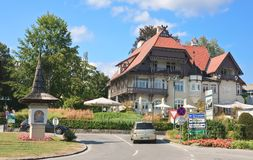 Hotel Velden morgens Worthersee sehen Österreich Lizenzfreie Stockfotos
