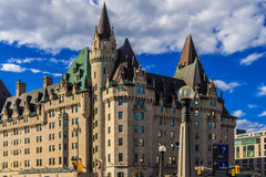 Hotel velho do Château Laurier de Ottawa imagem de stock royalty free