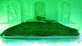 Hotel verde del ghiaccio della stanza. immagine stock libera da diritti