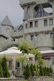 Hotel verziert als Schloss Stockbilder
