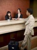 Hotel - viaggiatore di affari Immagini Stock