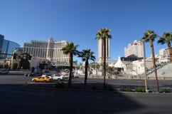 Hotel y casino, ciudad, cielo, zona metropolitana, palmera de Bellagio imagen de archivo