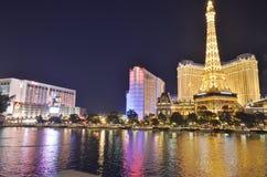 Hotel y casino, Las Vegas, zona metropolitana, paisaje urbano, ciudad, reflexión de París imagenes de archivo