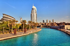 Hotel y lago Burj Dubai de la dirección Imagenes de archivo