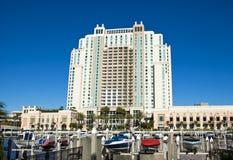 Hotel y puerto deportivo grandes en Tampa Fotografía de archivo