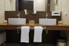 Hotelbadkamers royalty-vrije stock foto