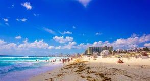 Hoteles de la playa de Cancun Imagenes de archivo