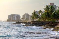 Hoteles de la playa de San Juan imagen de archivo libre de regalías