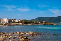 Hoteles y mar Mediterráneo, Majorca de Cala Bona Fotos de archivo libres de regalías