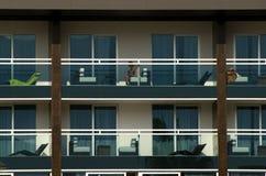 Hotelgebäude lizenzfreie stockfotos