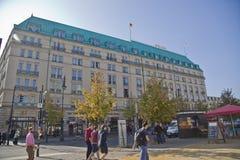 Hotell Adlon Kempinsky i Berlin Royaltyfri Bild
