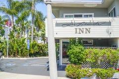 Hotell för LaAvenida gästgivargård - litet hotell i Coronado - SAN DIEGO - KALIFORNIEN - APRIL 21, 2017 Royaltyfria Bilder