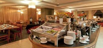 Hotell - frukostbuffé Arkivbild