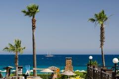 Hotell med havssikter Royaltyfria Bilder