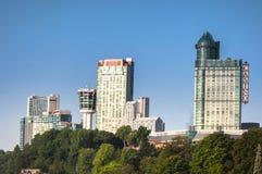 Hotell på Niagaraet Falls Arkivbild