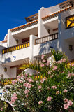 Hotell på stranden Royaltyfri Bild
