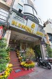 Hotell som dekoreras för Tet, Saigon Arkivfoto