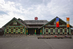 Hotellet är i den gamla ryska stilen i Suzdal Royaltyfria Bilder