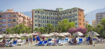 Hotellet för solbrandstranden i Kemer Turkiet, kan Arkivbild