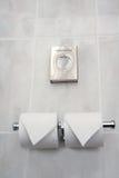 hotellet rullar toaletten Arkivfoton