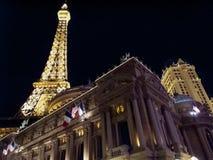 Hotellet tände upp på natten, Paris Las Vegas, Nevada, Royaltyfri Bild
