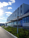 Hotellisberg i Nadym, Ryssland - Juli 18, 2008 Arkivfoto