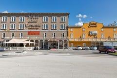 HotellkasinoCarnevale fasad i Skofije, Slovenien Arkivbild